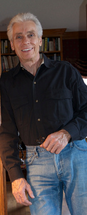 Portrait of author Jeffrey Birch